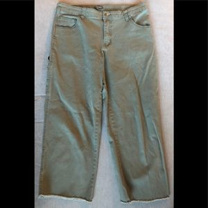 WILD FABLE Cropped Carpenter Pants